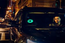 Why Uber and Lyft Are Pushing to Keep Their Drivers as Independent Contractors